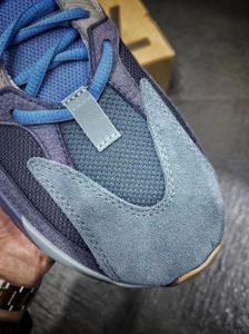 Adidas Yeezy 700 Carbon blue