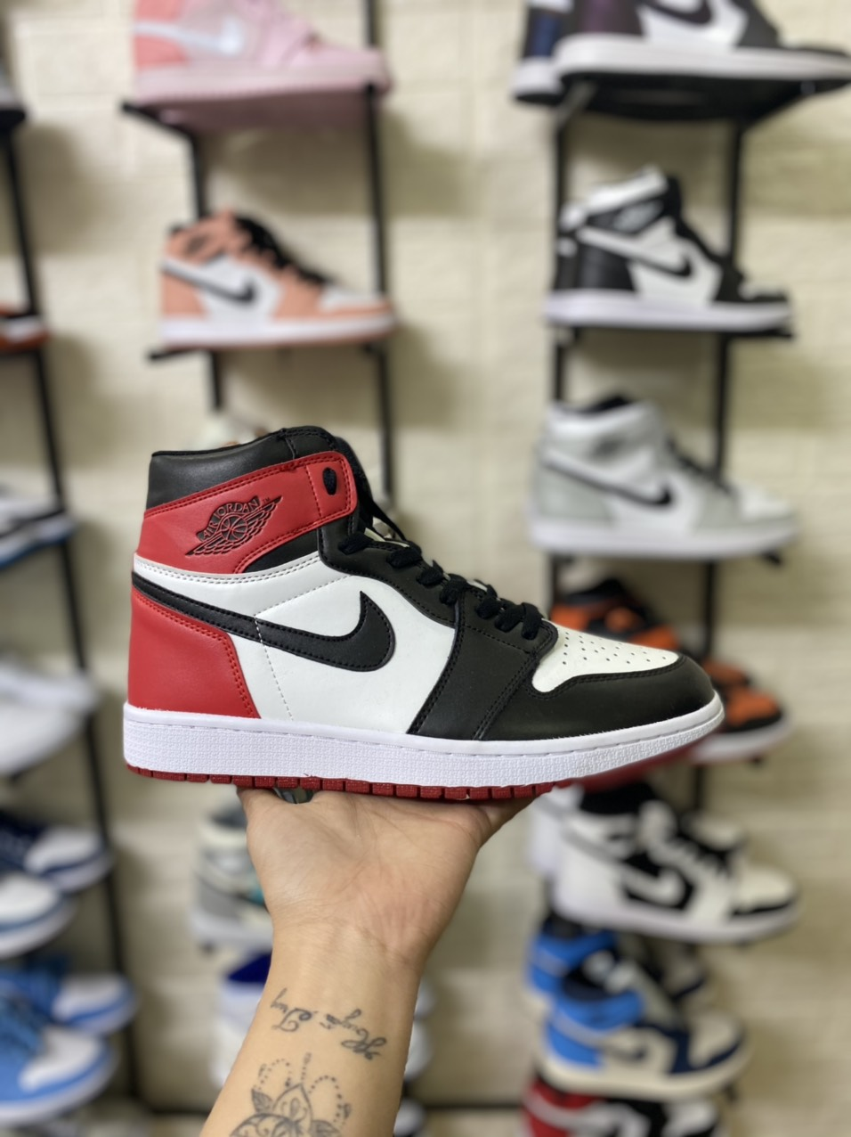 Giày Nike Air Jordan 1 Retro High Satin Black Toe 3