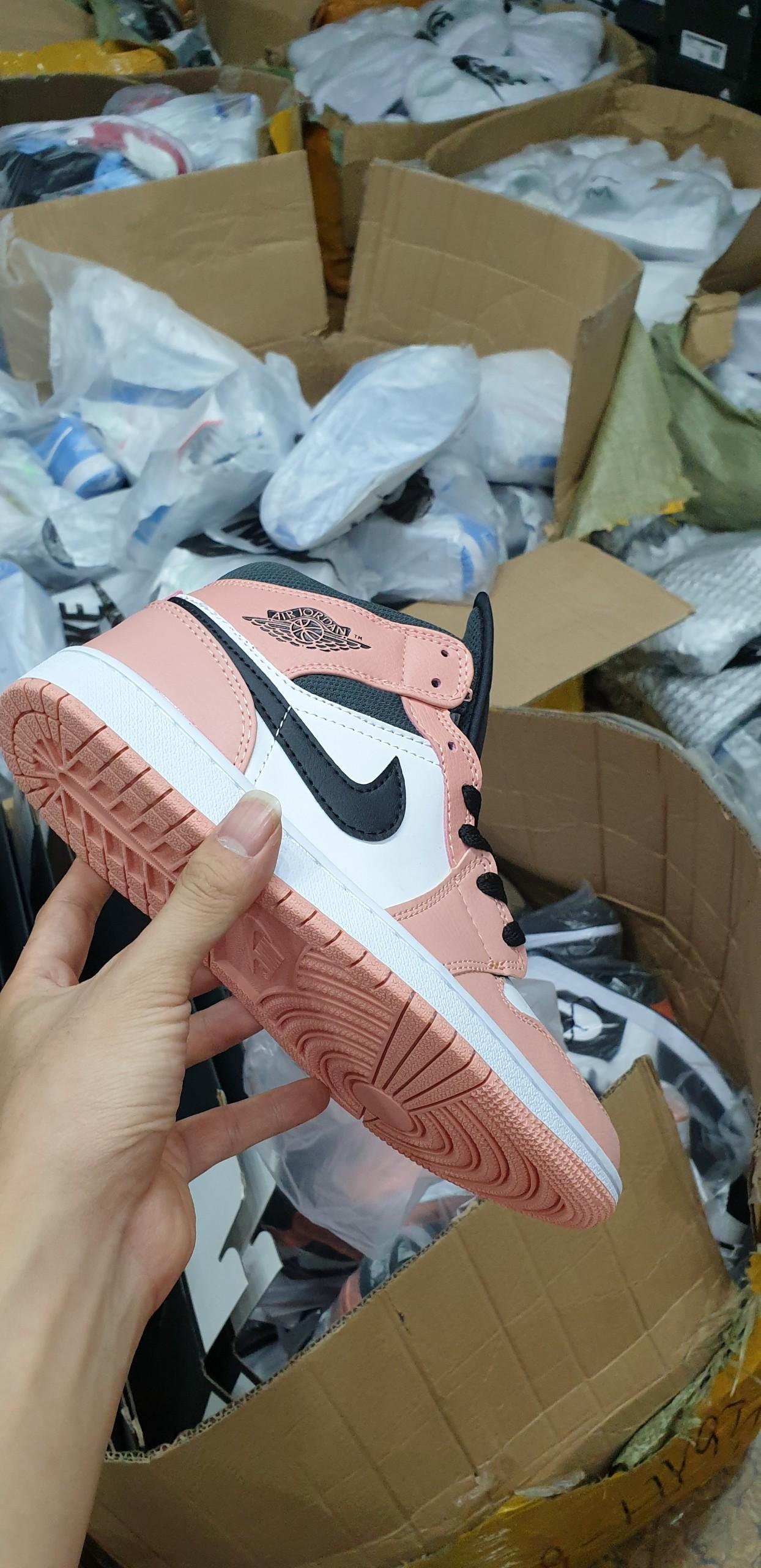 Giày Nike Air Jordan 1 Mid Hồng Pink Quartz Rep 1:1, Giày Nike Air Jordan 1 Mid Hồng Pink Quartz  SF, Giày Nike Air Jordan 1 Mid Hồng Pink Quartz  Super fake, Giày Nike Air Jordan 1 Mid Hồng Pink Quartz  f1, Giày Nike Air Jordan 1 Mid Hồng Pink Quartz  Replica, Giày Nike Air Jordan 1 Mid Hồng Pink Quartz Rep